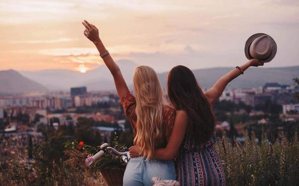Bí quyết để hợp tác kinh doanh với… bạn thân
